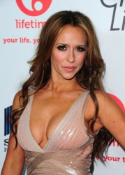 jennifer love hewitt mega cleavage