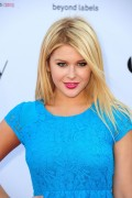 "Renee Olstead @ Logo's ""NewNowNext Awards"" 2012 at Avalon, Hollywood (April 5th, 2012)"