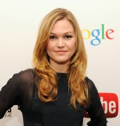 Julia Stiles - YouTube Upfronts in New York 05/02/12